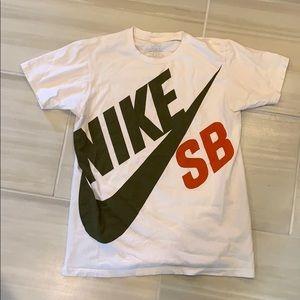 White Nike SB shirt - medium